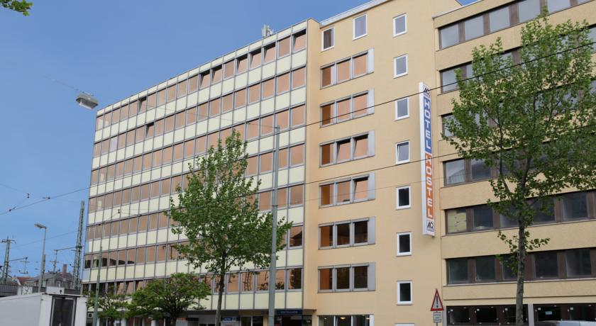 Book a cheap room in A&O Frankfurt Galluswarte