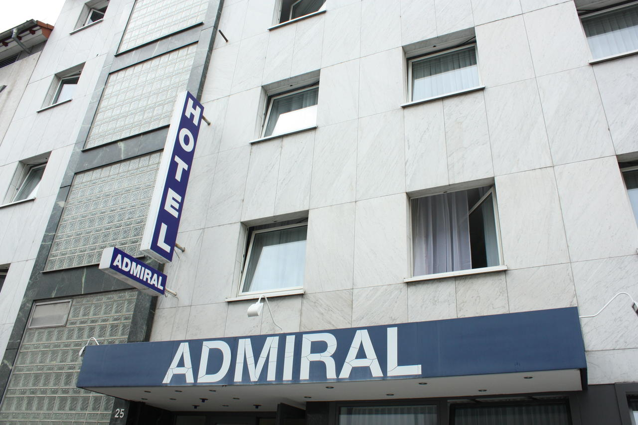 Book a cheap room in Admiral Hotel