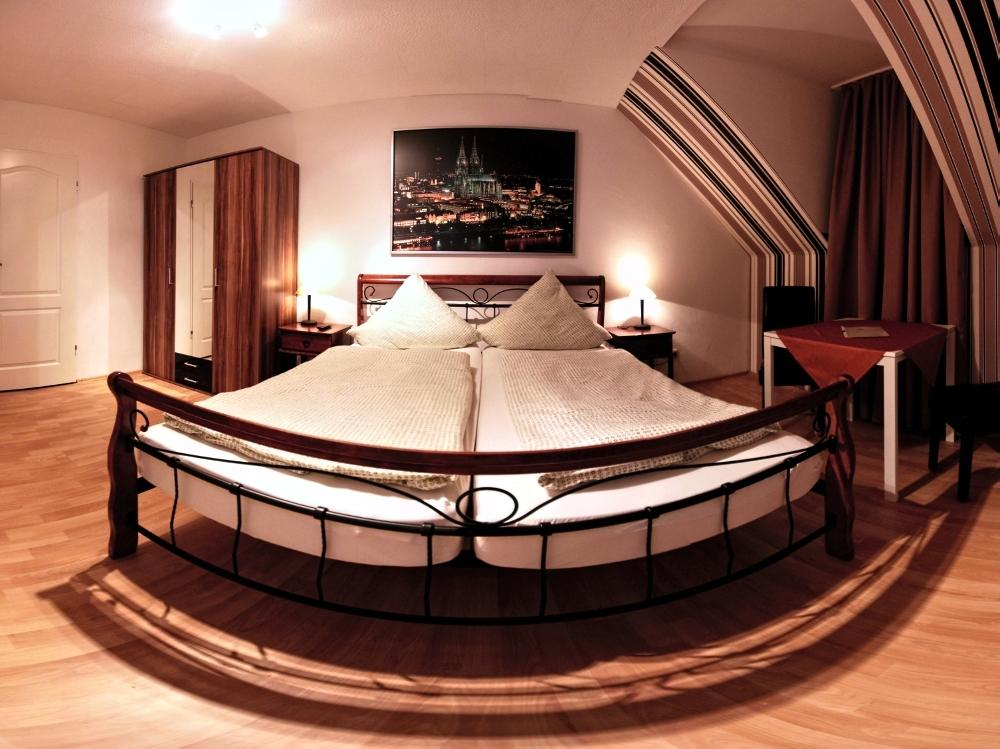 Book a cheap room in Gastehaus Balthasar Neumann