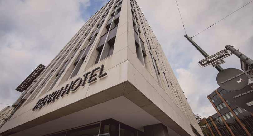 Book a cheap room in Henri Hotel Dusseldorf Downtown