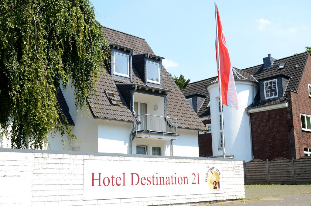 Book a cheap room in Hotel Destination 21