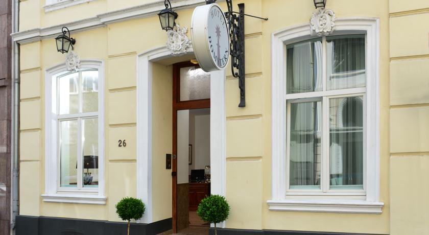 Book a cheap room in Hotel Domstern