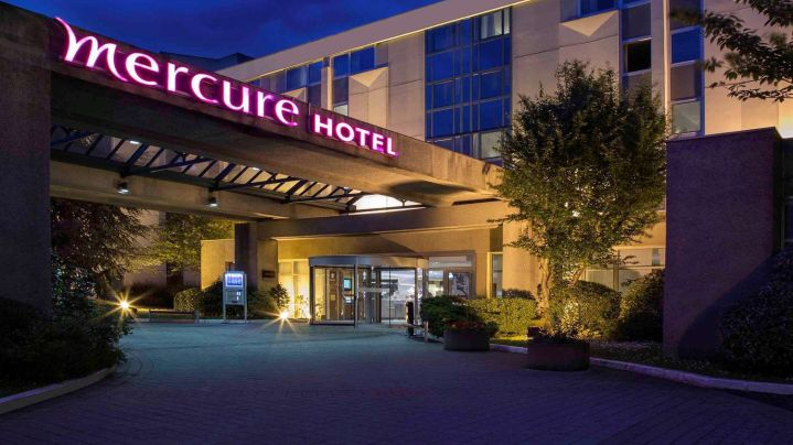 Book a cheap room in Mercure Paris Roissy CDG