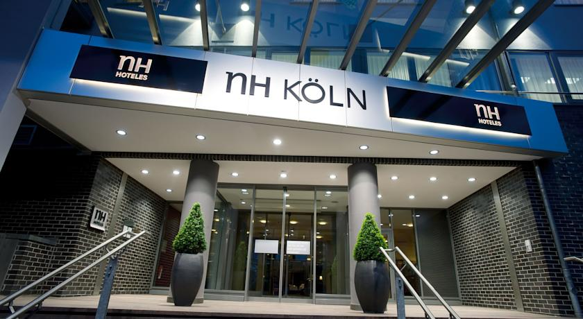 Book a cheap room in NH Koln City
