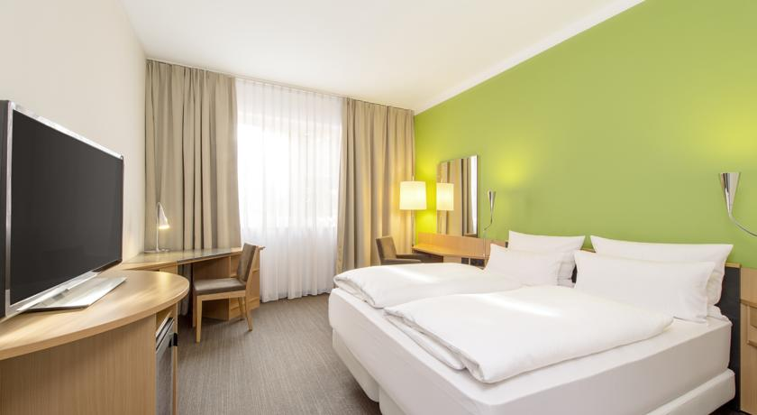 Book a cheap room in NH Munchen Messe