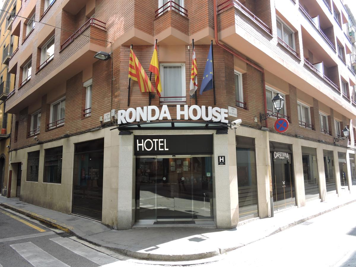 Book a cheap room in Ronda House