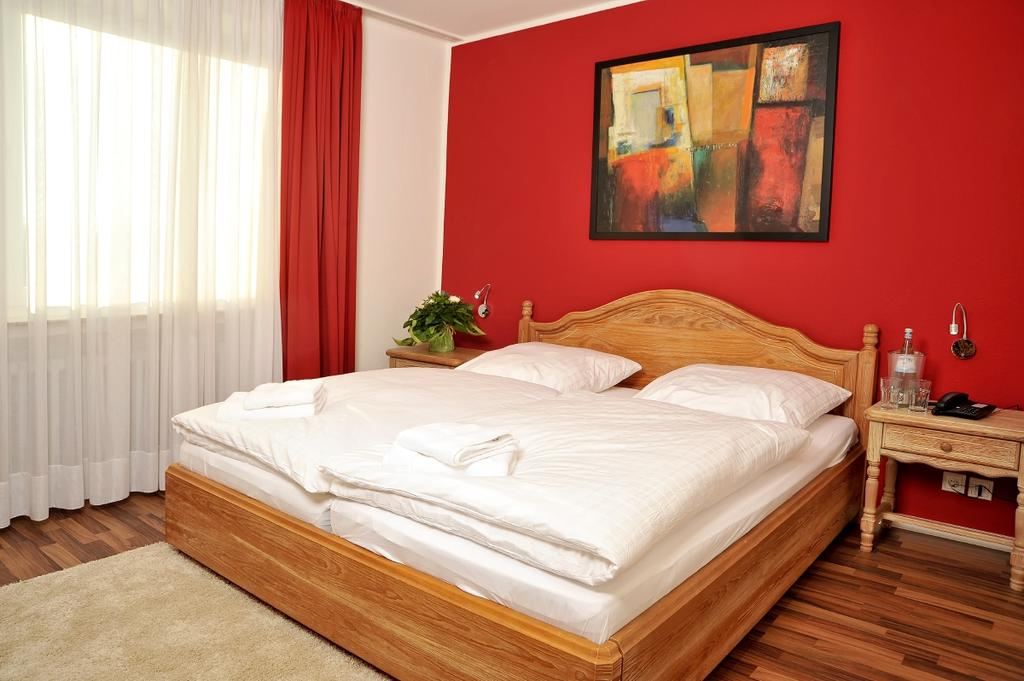 Book a cheap room in Stadthotel Langenfeld