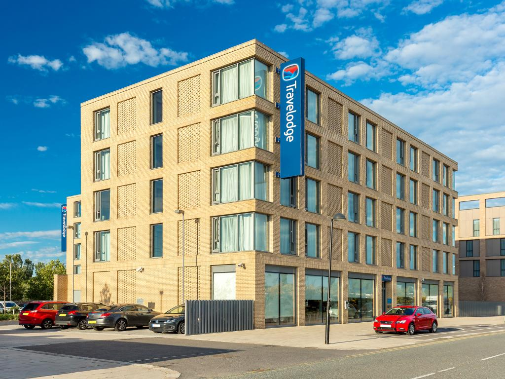 Book a cheap room in Travelodge London Excel Hotel