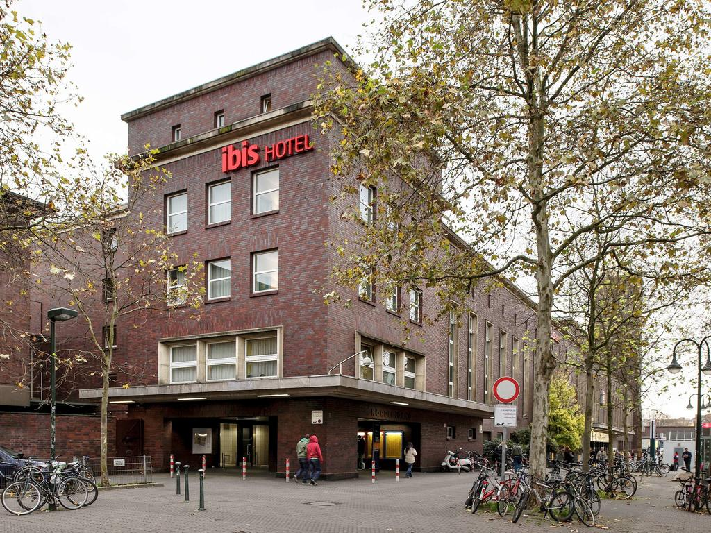 Book a cheap room in ibis Hotel Dusseldorf Hauptbahnhof